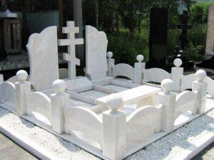 Як оформити могилу на кладовищі